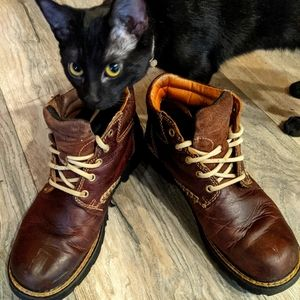 Ariat lace up work boots